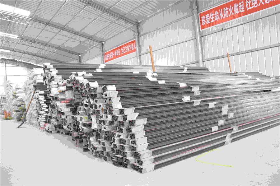 出售钢结构厂家-专业拉萨钢结构厂家在西藏