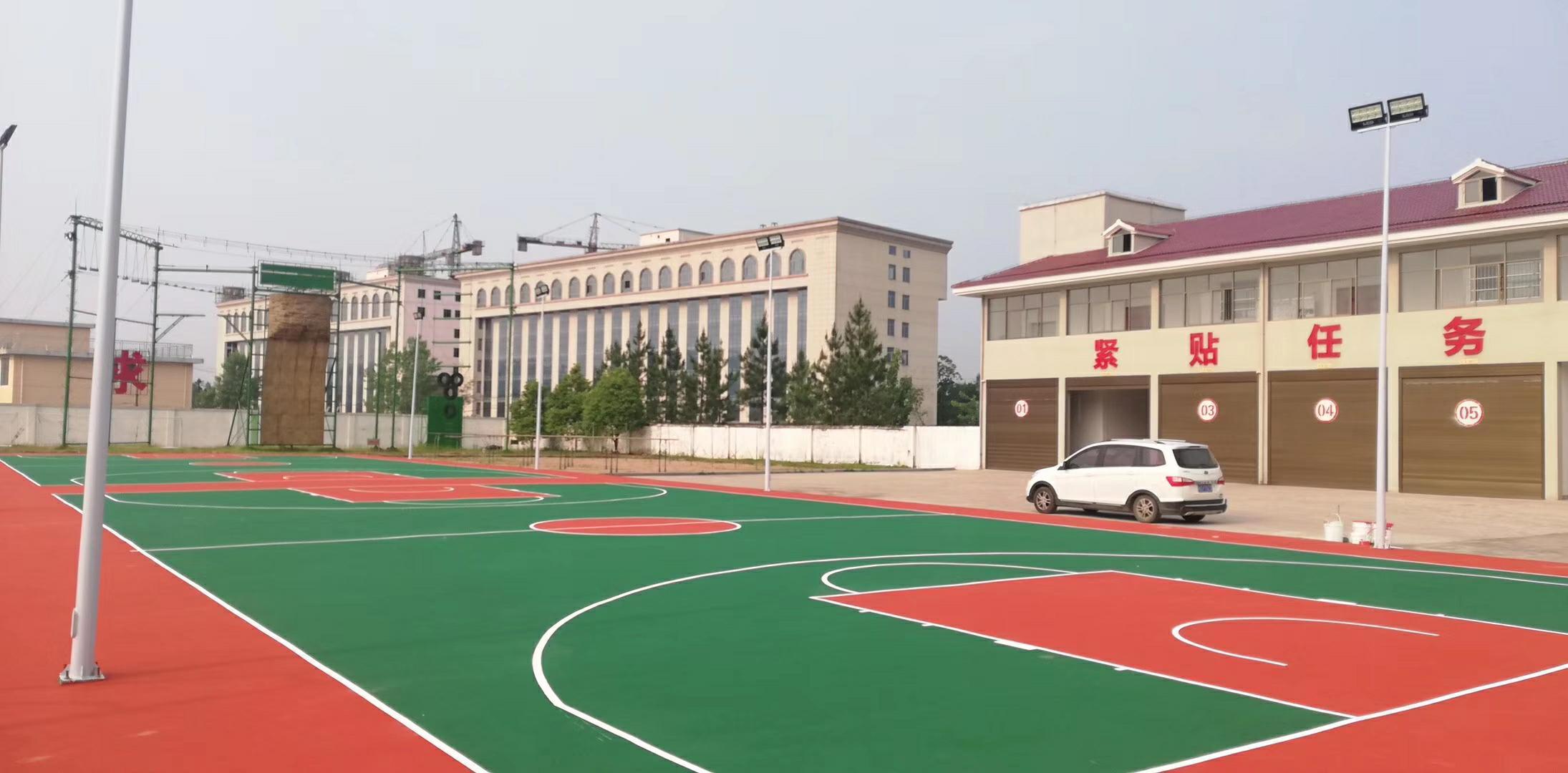 星之健篮球场施工