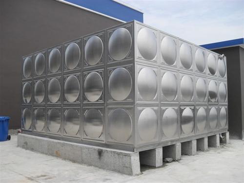 哈爾濱宏展容器_出色的哈爾濱塑料水箱供應商|哈爾濱吹塑方形水箱
