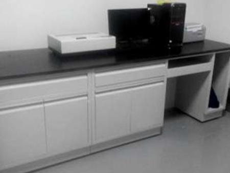 朝阳实验室规划设计之使用实验台的时候需要注意哪些事项