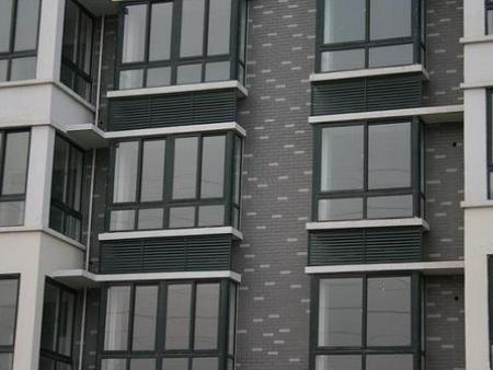 买实惠的外墙防雨百叶优选沈阳市杰杰伟业空调-外墙防雨百叶安装