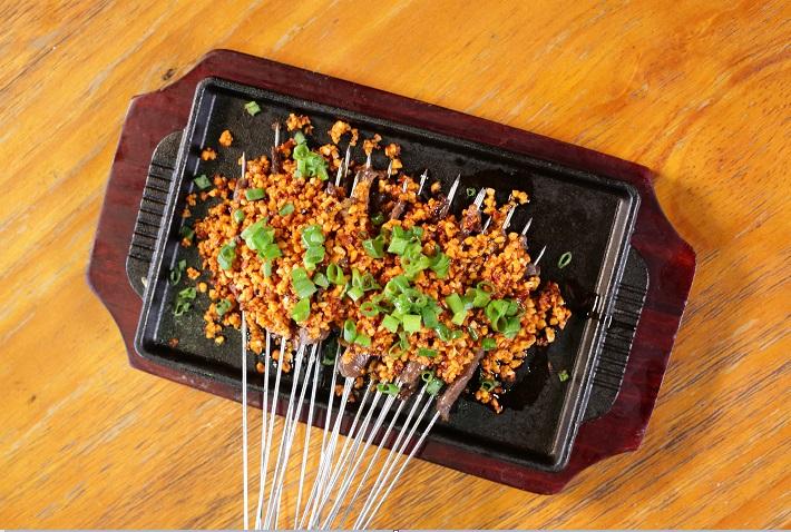 餐飲品牌重在菜品美味,左串右麥讓你的味蕾嗨起來