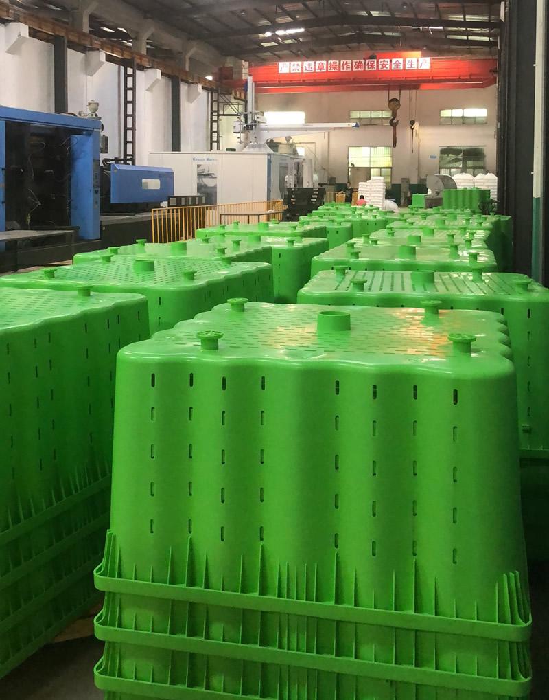 食品卡板箱生产厂-诚挚推荐质量好的自锁式可堆栈卡板箱