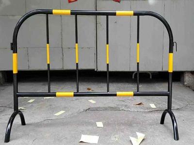 富林网业提供兰州地区实惠的铁马护栏网,吴忠铁马护栏网