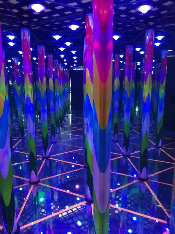 游樂設備豪華鏡子迷宮游樂設備銷售廠家鼎藝游樂設備