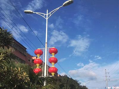 天津路燈中國結|龍騰照明工程性價比高的路燈燈籠_你的理想選擇