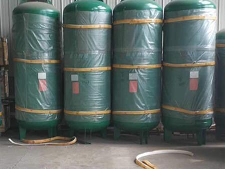 沈阳喷砂罐设备的两种类型工作原理