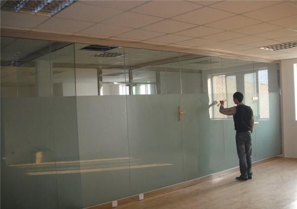 新郑玻璃门维修师傅-郑州信誉好的玻璃门维修-您值得信赖