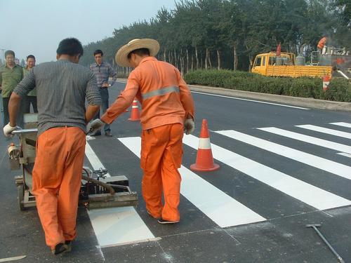 定西道路标线工程-选实惠的定西热熔标线-就到甘肃路鑫交通设施