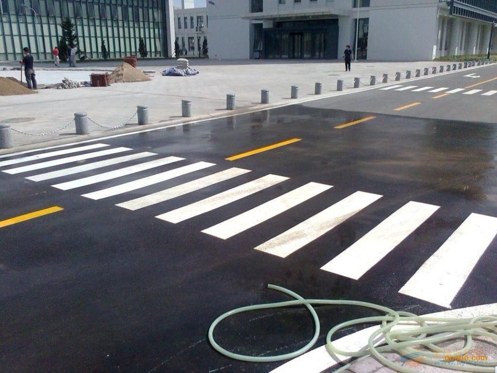 兰州道路标线工程|兰州信誉好的定西热熔标线经销商