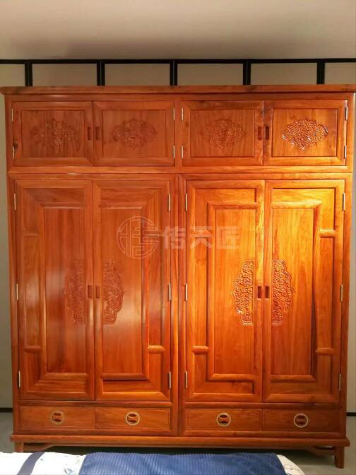 傳天匠紅木衣柜