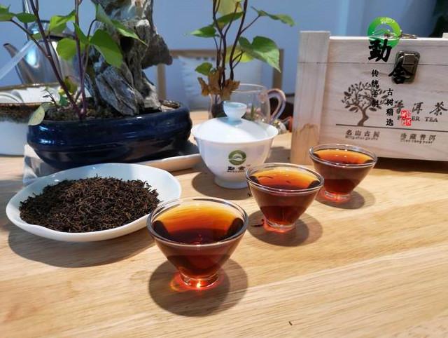 新手冲泡勐舍普洱茶的简易方法