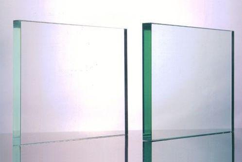 优良的哈尔滨钢化玻璃公司-哈尔滨玻璃隔断厂家