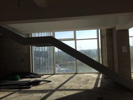 鋼結構樓梯設計廠家_哪兒有賣質量高的鋼結構樓梯
