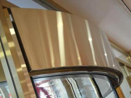 沈阳转门热风幕是一种现代兴起的一种取暖设备
