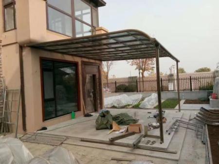 门窗雨棚哪家好 供应山东专业的门窗雨棚