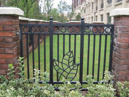 铁艺防护栏/小区铁艺围栏