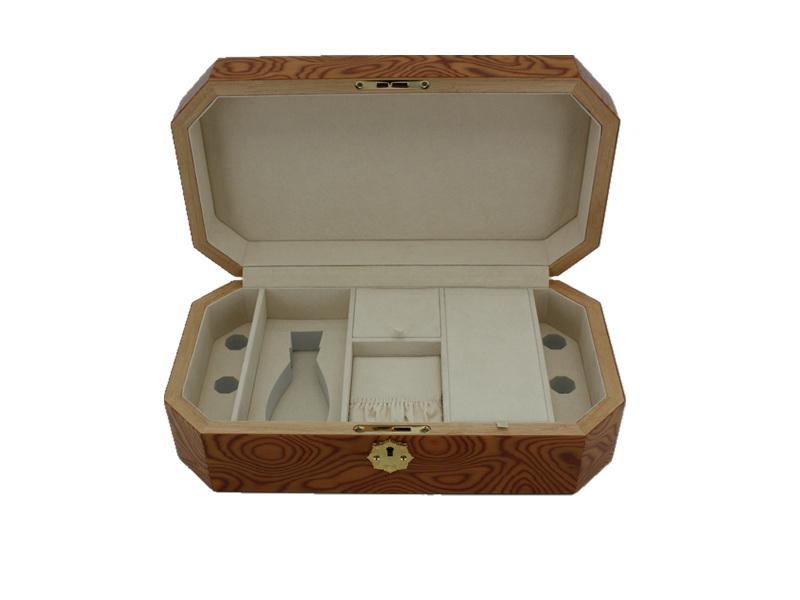 大量供应喷亮光/哑光漆香水盒专业设计-东莞香水盒厂
