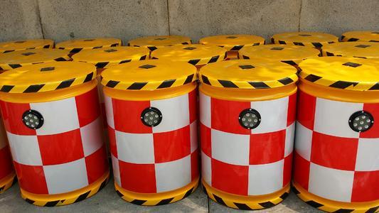 鹤岗防撞桶公司-辽宁高质量的防撞桶