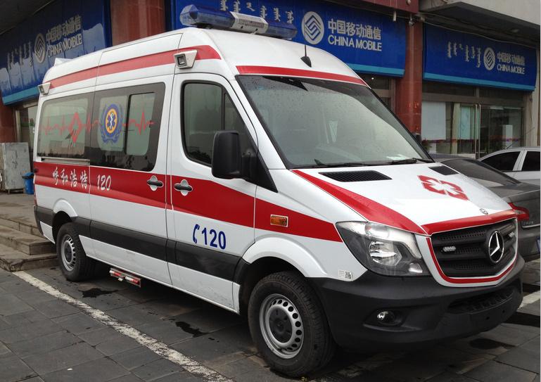 奔驰324H全负压监护型救护车