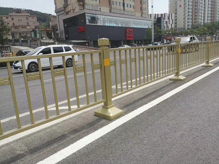 湖北交通隔离护栏|具有口碑的交通隔离护栏推荐