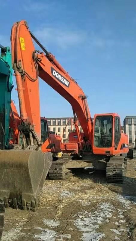 哈尔滨挖掘机|哈尔滨挖掘机厂家-哈尔滨立通工程设备