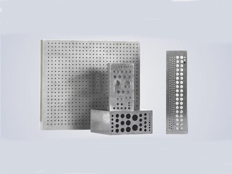 数控模具深孔钻—立式钻孔机供应直销—利工科技