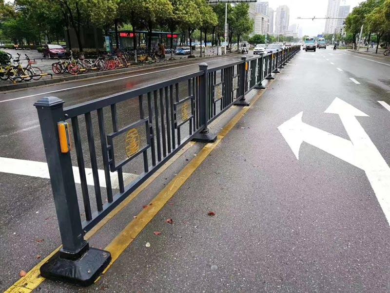 质量好的车行道护栏推荐_锌钢车行道护栏