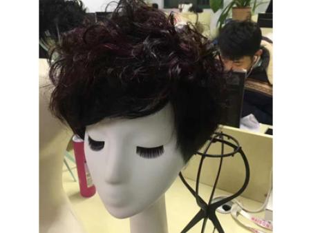 如何正确的清洗和护理假发?