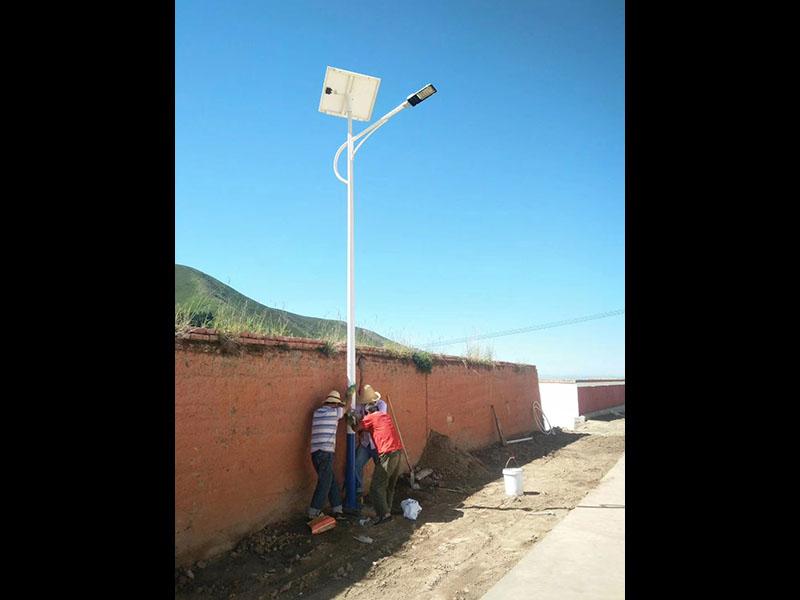 蘭州太陽能路燈價格-寧夏太陽能庭院燈價位
