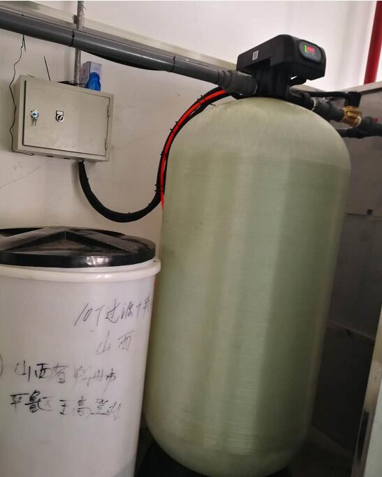 化肥厂用软化水设备出售-大量供应新品全自动软化水设备