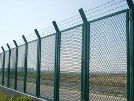黑龙江单线铁路护栏-延边足球俱乐部单线铁路护栏哪家好-黑龙江单线铁路护栏哪家好