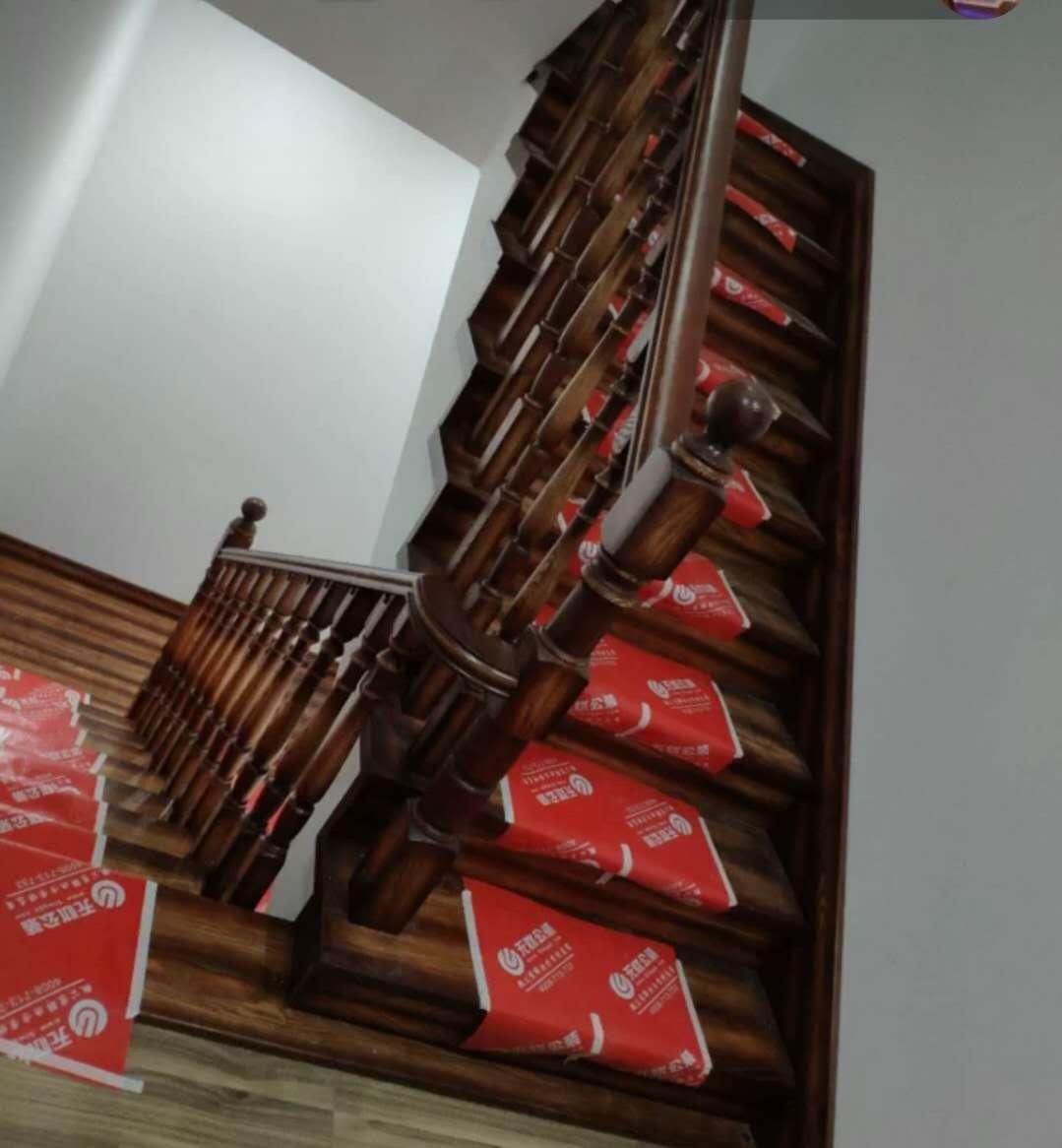 實木樓梯廠家-要買實木樓梯就到沈陽盛森勵合實木樓梯