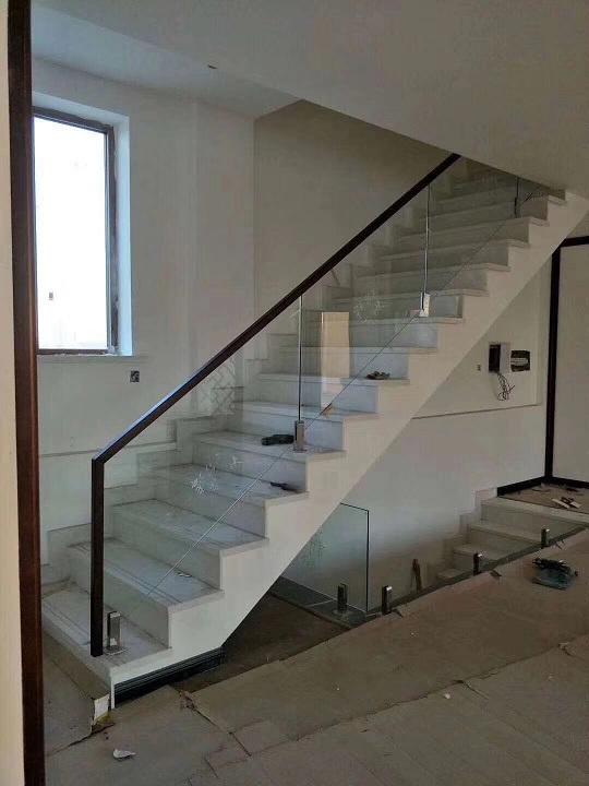 不錯的樓梯上哪買   鐵嶺樓梯價格