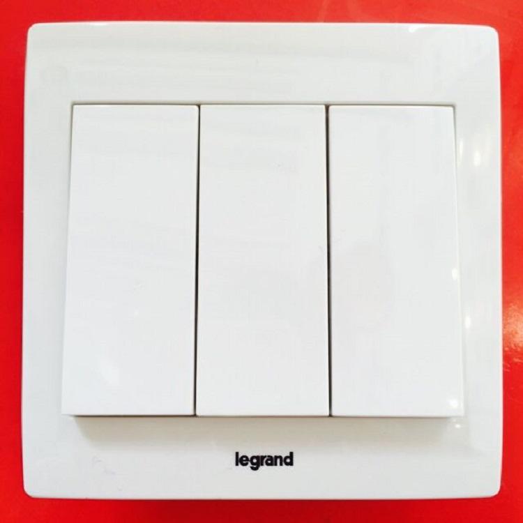 成都义诚信_成都TCL罗格朗工程开关插座没存系列价格优惠-广西TCL罗格朗开关供应厂家