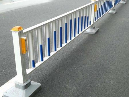 桥梁护栏销售商-安徽道路护栏生产厂家-四川道路护栏生产厂家
