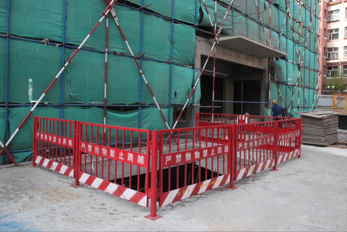 海拉尔防护门-供应内蒙古呼伦贝尔钢构