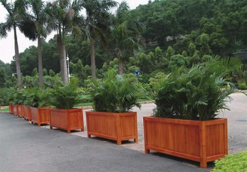 西安木质花箱-性价比高的西安塑木花箱火热供应中