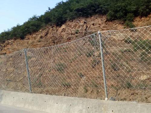 公路铁路沿线斜坡被动防护网-15131856266国标被动网