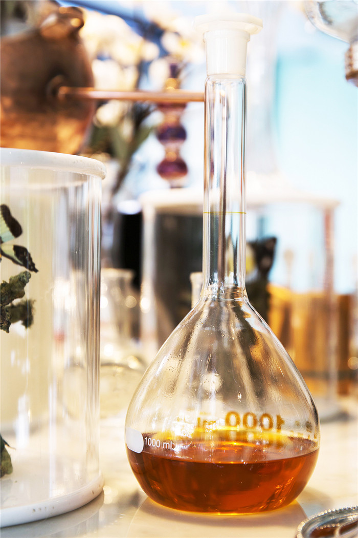 品牌好的盤錦合成導熱油哪家買?優質盤錦導熱油再生及導熱油清洗