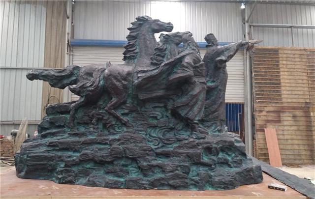 不銹鋼雕塑在城市景觀雕塑中的運用