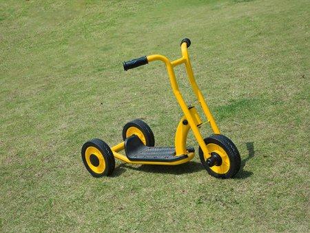 广东幼儿园五轮脚踏车_温州价格实惠的儿童童车