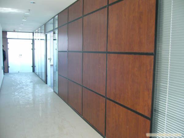 木饰面板隔断隔墙