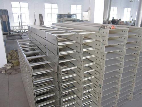 寧夏橋架-梯式橋架批發-槽式橋架價格-電纜橋架廠家