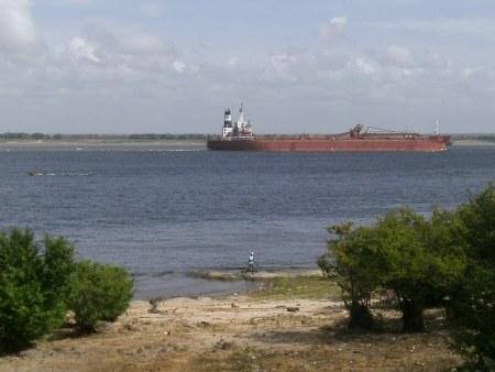 蓬莱铁矿粗粉供应商-江苏委内瑞拉铁矿粗粉供应商值得信赖