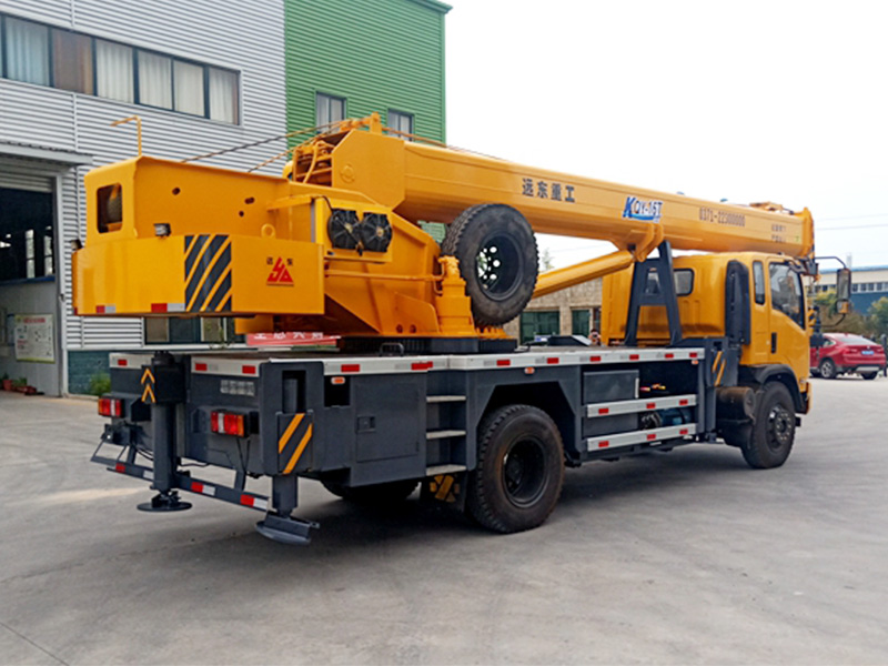 郑州12吨吊车厂家-开封信誉好的12吨小型汽车吊车厂经销商