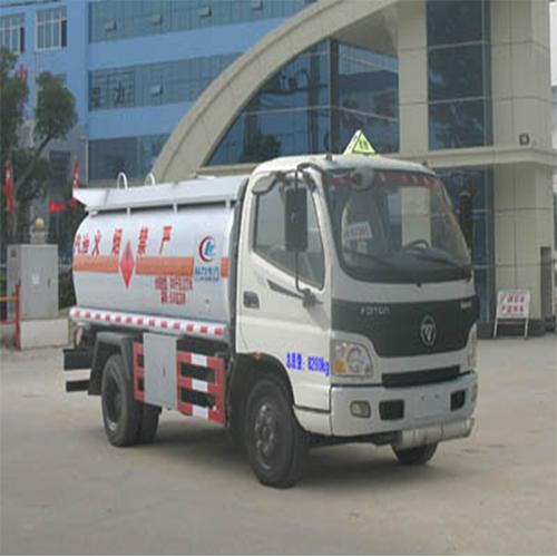 沈阳油罐车哪家好-万合力兴提供优惠的油罐车