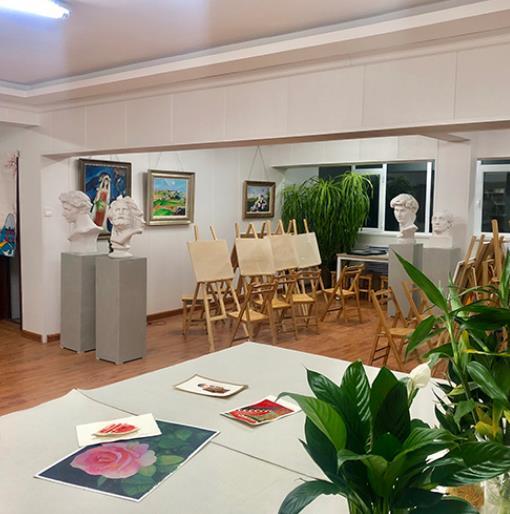 兰州美术画室-兰州成人美术画室推荐麟悦画室师资力量强