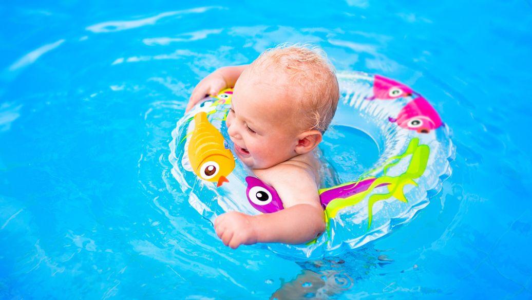 西咸新區嬰兒洗澡游泳-灃西新城寶寶游泳館哪家好