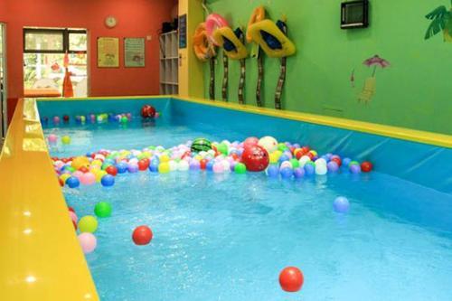 西咸新區嬰兒洗澡游泳-灃東新城好的寶寶洗澡游泳店